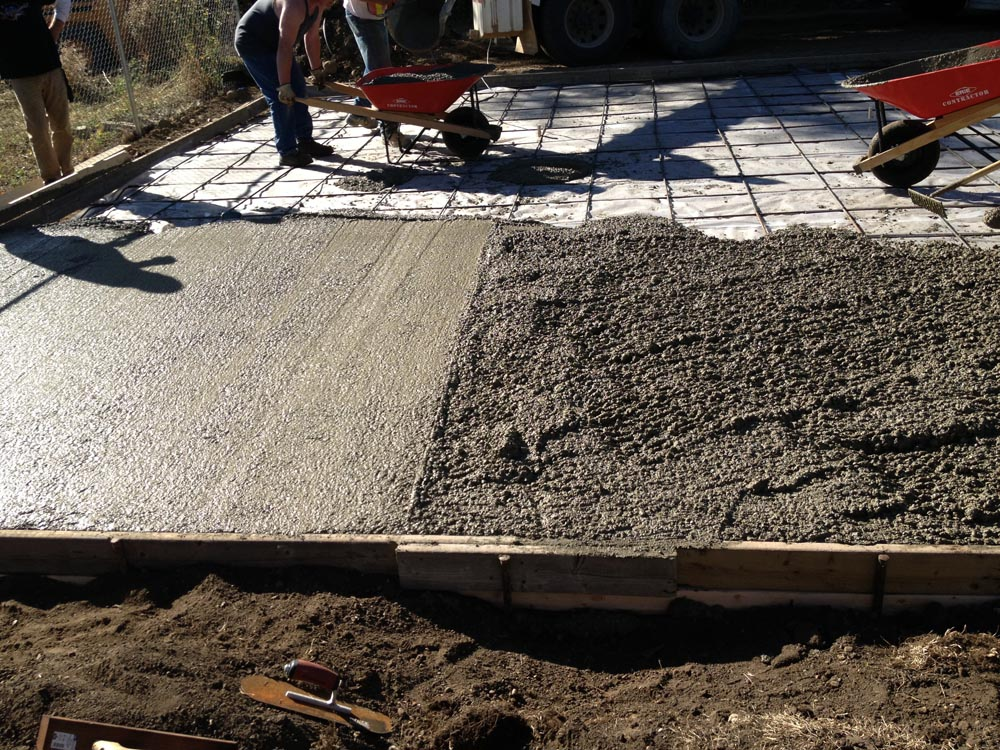 Concrete garage pad impact construction commercial - Construction garage prefabrique beton ...